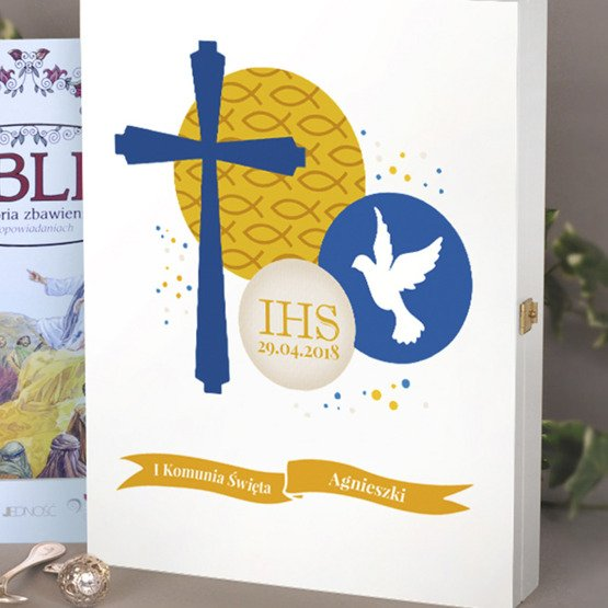 Biblia w drewnianym pudełku - symbole wiary