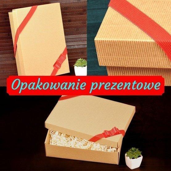 Drewniane pudełko z krówkami i herbatą Lipton dla taty