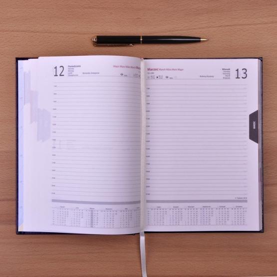 Kalendarz z nadrukiem dla pracownika