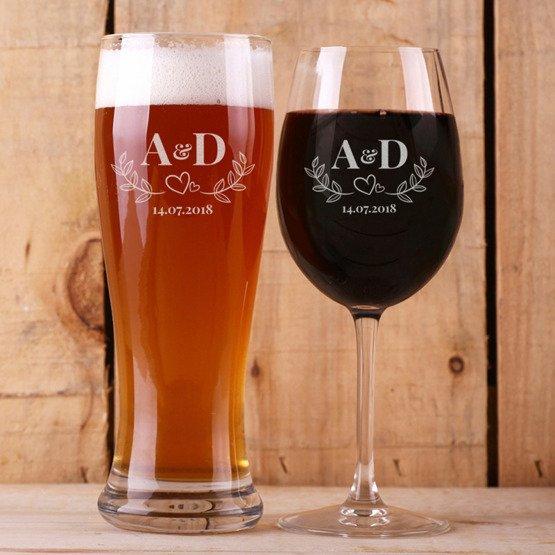 Kieliszek do wina i szklanka do piwa - inicjały