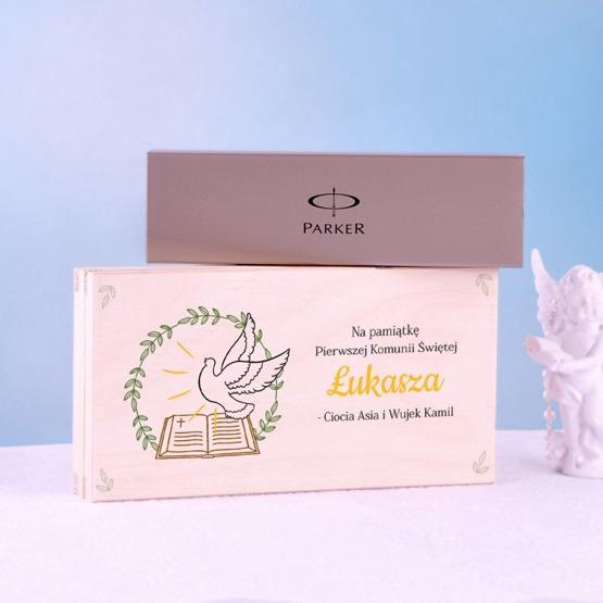 Zestaw prezentowy na I Komunię Świętą - pudełko na kopertę + pióro Parker.
